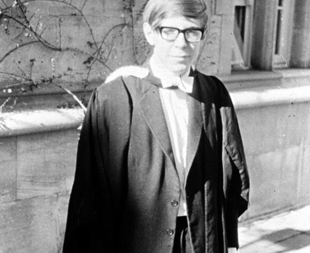 Stephen Hawking – Sıradan İnsanların Soyu Tükenecek Mi?